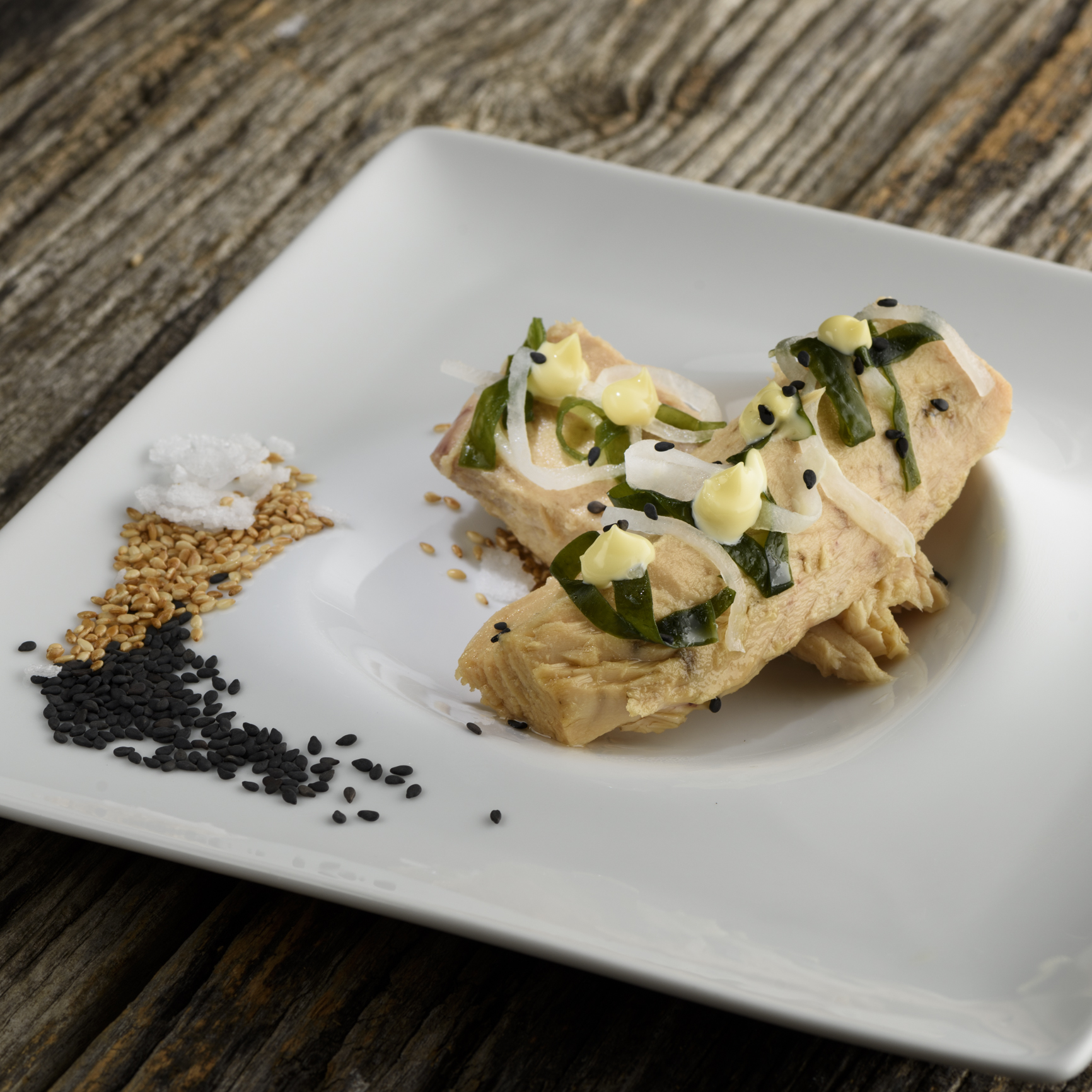 Basque Cantabrian White Tuna with daikon and wakame