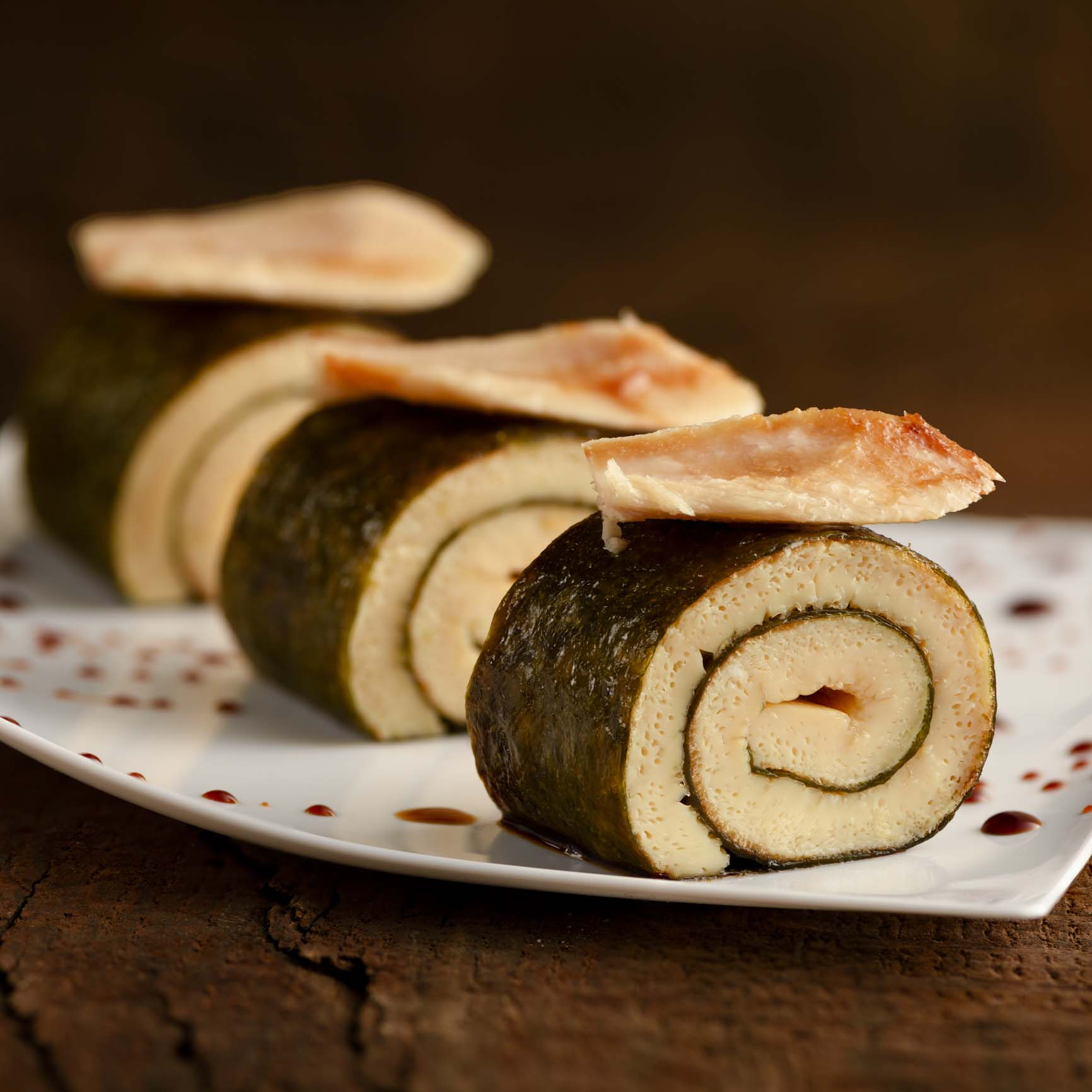 Tamago rolls with Basque Cantabrian White Tuna